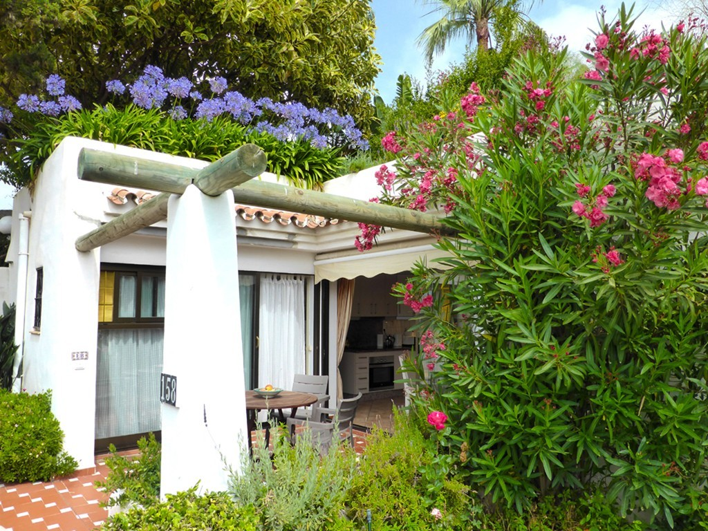11 Private patio with beautiful plants 158 Costa Natura